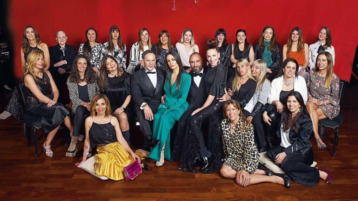 Las clientas del BBVA disfrutar del CARAS Moda junto a las celebridades