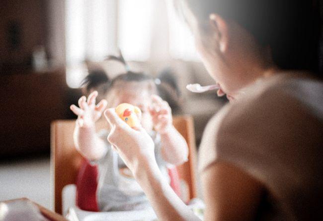 Cada vez más madres crían solas.
