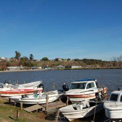 Embarcaciones en el Club de Pescadores.