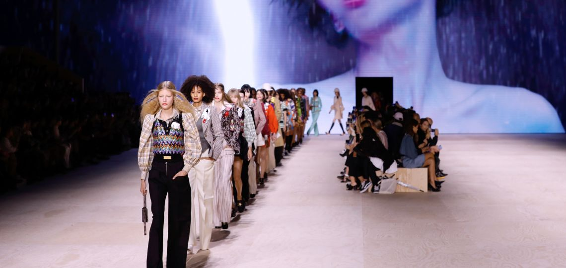 En fotos: los mejores looks del desfile de Louis Vuitton