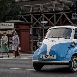 El film The Small Escape revive el arriesgado cruce de la frontera que dividía a Alemania a bordo de un BMW Isetta.