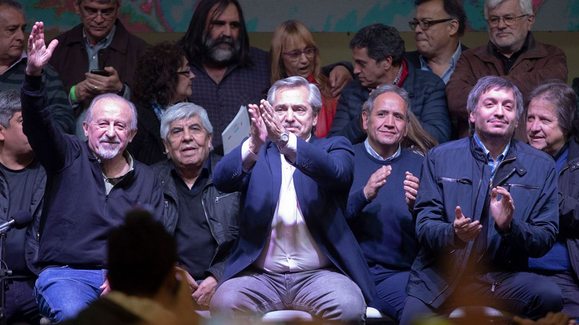 Presidential hopeful Alberto Fernández, flanked by CTA leader Hugo Yasky, veteran Camioneros leader Hugo Moyano and national deputy Máximo Kirchner.