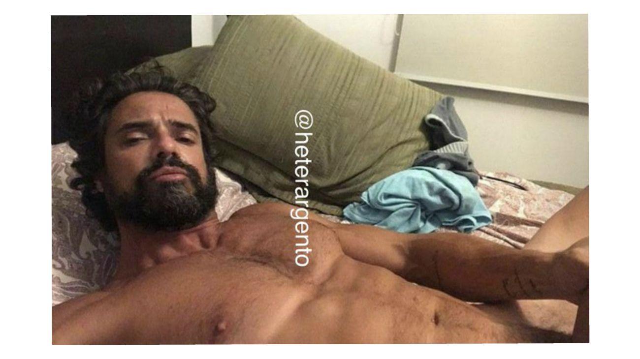 https://fotos.perfil.com/2019/10/05/luciano-castro-1005-787788.jpg
