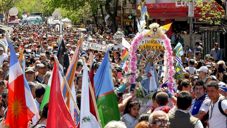 Multitudinaria peregrinación a Luján.