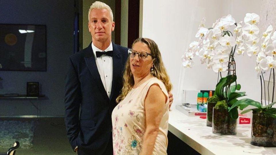Maxi López y su madre