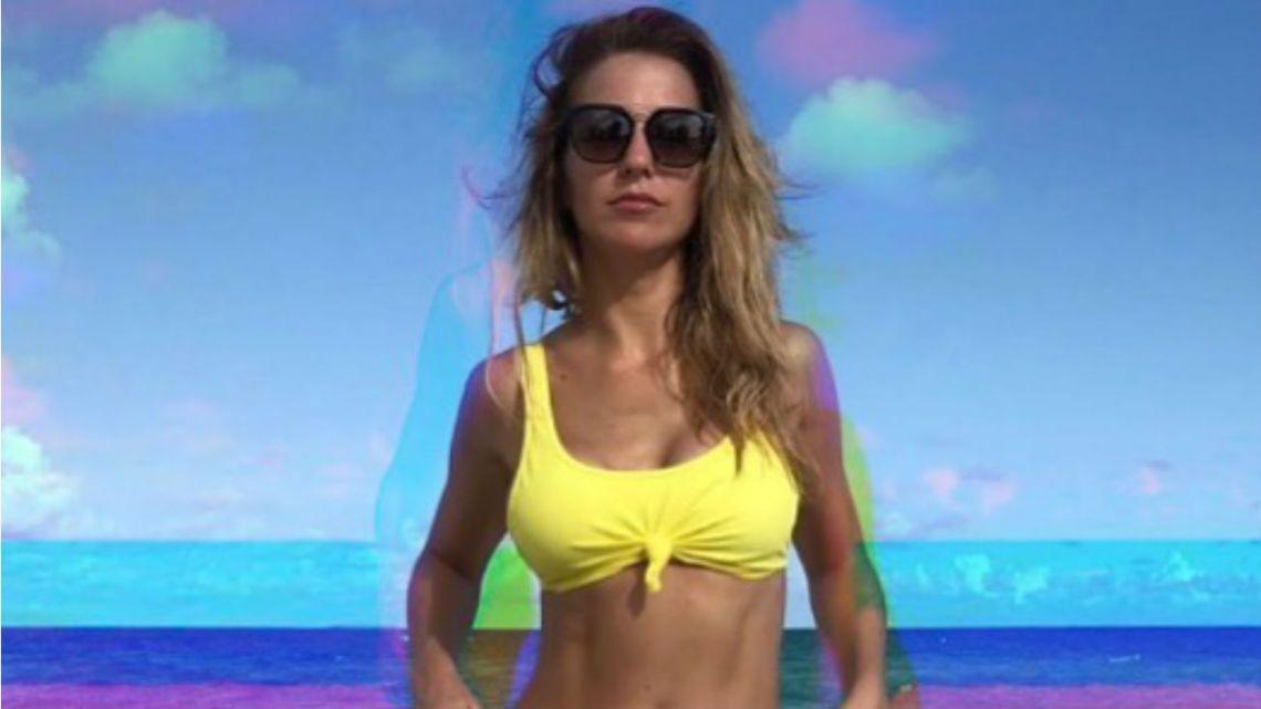 Soledad Fandiño hot en la playa
