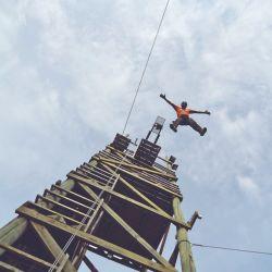 Salto al vacío en Euca Tigre desde 13 metros.