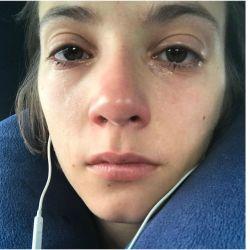 Carla Quevedo llorando después de ver una película