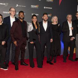 Las fotos de los famosos que viajaron a Barcelona para el estreno del show sobre Messi