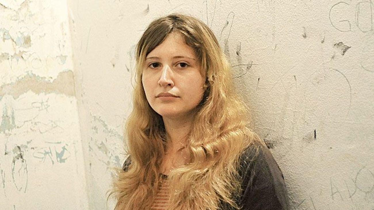 Ordenan reducirle la pena a una joven condenada por matar a sus padres en Pilar