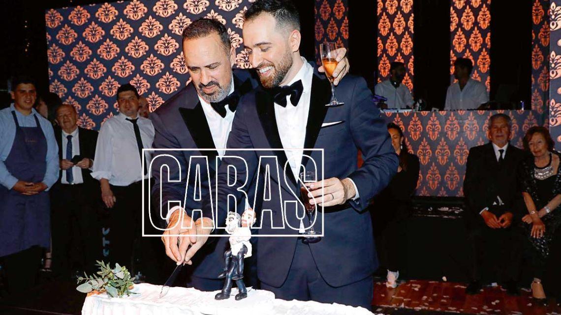 Las 24 mejores fotos de la excéntrica boda de Charly Ronco y Nicolás Pottery