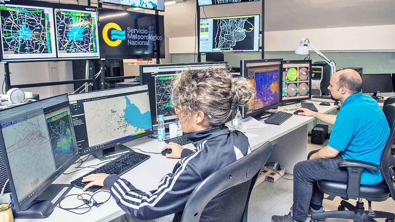 Expertos. El nuevo sistema permite a los meteorólogos hacer pronósticos por ensamble en alta resolución, explicó Celeste Saulo, directora del SMN.
