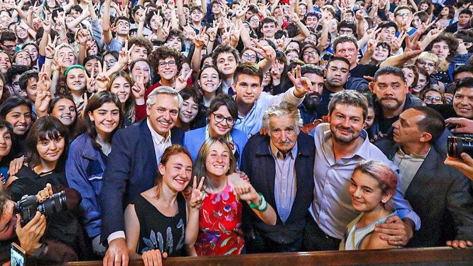 20191210_alberto_fernandez_mujica_nacional_prensafrentedetodos_g.jpg