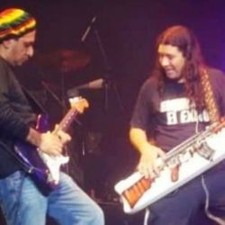 Pablo Lescano junto a Richard