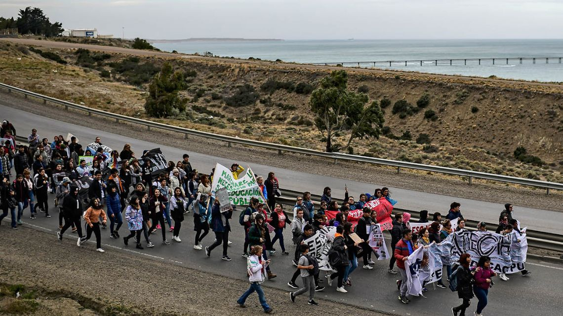 Teachers and students march to protest in Comodoro Rivadavia, in the Patagonian province of Chubut.