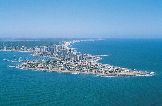 Punta del Este, uno de los destinos uruguayos donde habrá ventajas para turistas argentinos.