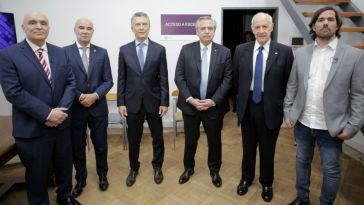 Espert, Centurión, Macri, Fernández, Lavagna y Del Caño antes del debate.