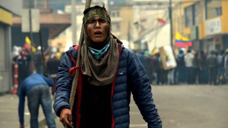 Una postal de las violentas manifestaciones sociales en Ecuador.