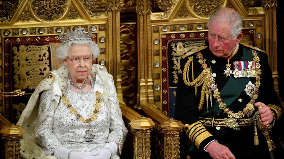 reina isabel ii parlamento brexit