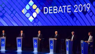 Los seis candidatos en el primer debate electoral.