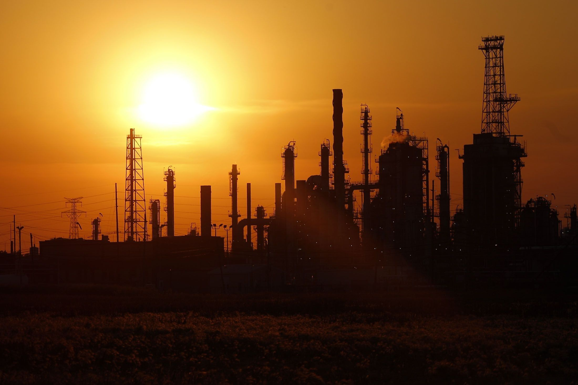 The BP-Husky Toledo Refinery As World Gas Output Stalls While Prices Hit U.S. Shale