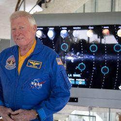 McBride, de 72 años, tiene una larga trayectoria como astronauta y ejecutivo de la NASA.