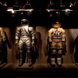 En el Kennedy Space Center Astronaut Encounter hay una exhibición de los trajes usados por los astronautas en el espacio.