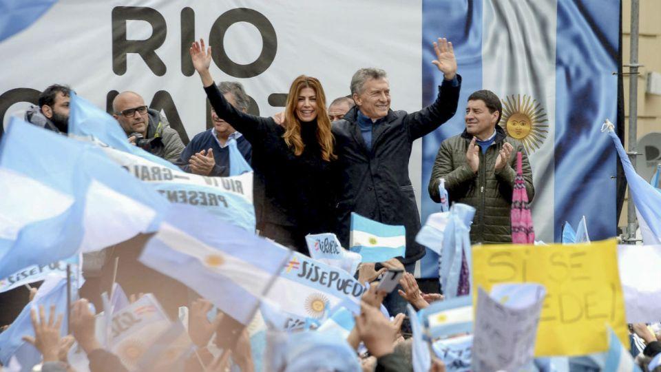 El Presidente junto a Juliana Awada en Rio Cuarto, Córdoba.
