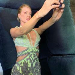 Nicole Neumann incendió las redes sociales en ropa interior de encaje