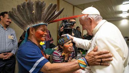 Honor. El Papa y pueblos originarios en el Sínodo de la Amazonia.