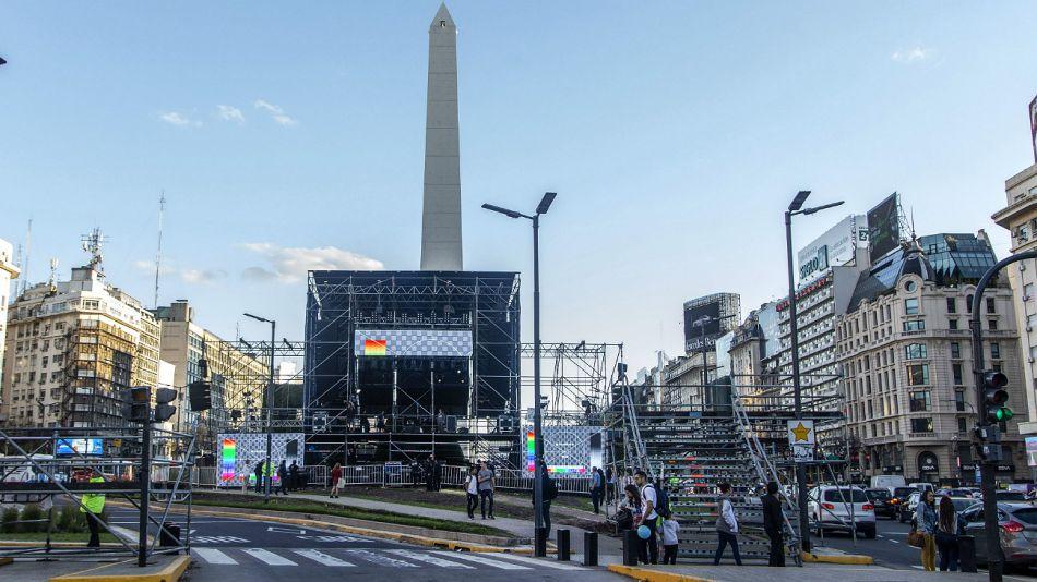 El escenario del acto del macrismo de este sábado 19 de octubre, en el Obelisco.