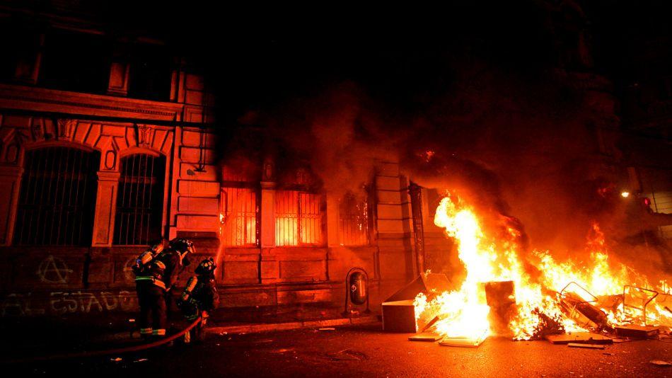 Incendio en el diario El Mercurio, en Valparaíso.