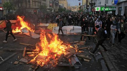Resultado de imagen para fotos de los estallidos sociales en chile