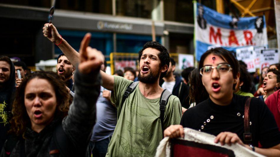Protestas frente al consulado de Chile en Buenos Aires.