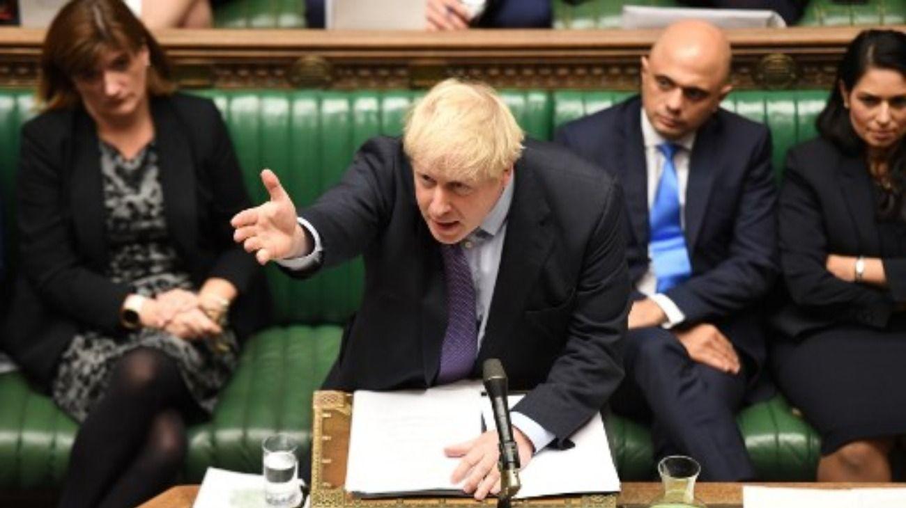 Brexit en el limbo: el Parlamento lo aprobó pero peligra el acuerdo por la fecha límite