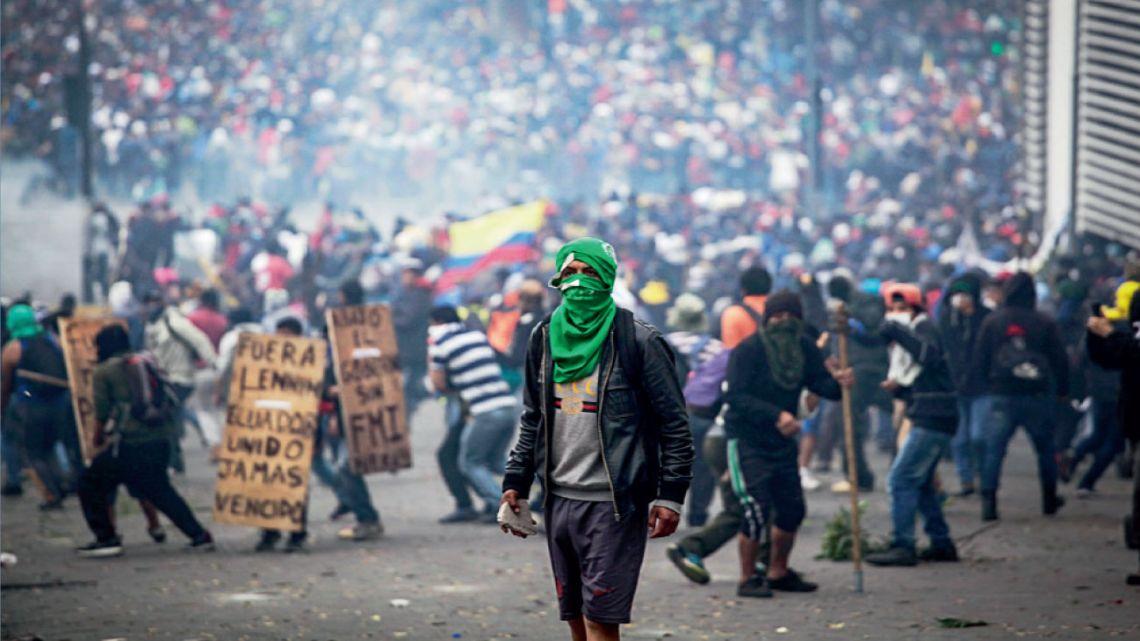 violencia. Las marchas terminaron con un saldo de siete muertos. La policía se enfrentó con los movimientos indígenas.  | Foto:Dpa
