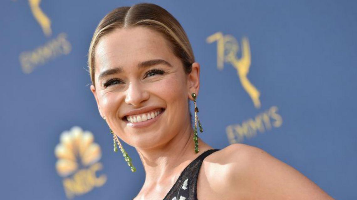 La divertida coreo de Emilia Clarke para celebrar su cumpleaños