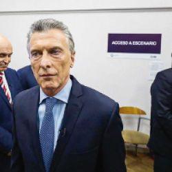 Macri con expresión cadavérica antes del debate del domingo 13 en Santa Fe.  | Foto:cedoc