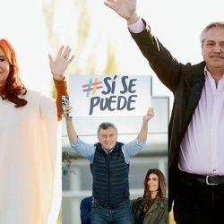 En público. Alberto Fernández y Cristina Kirchner, los probables ganadores. Mauricio Macri apuesta a forzar un ballotage. | Foto: Cedoc