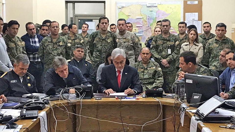 20192610_piñera_militares_sitio_cedoc_g.jpg