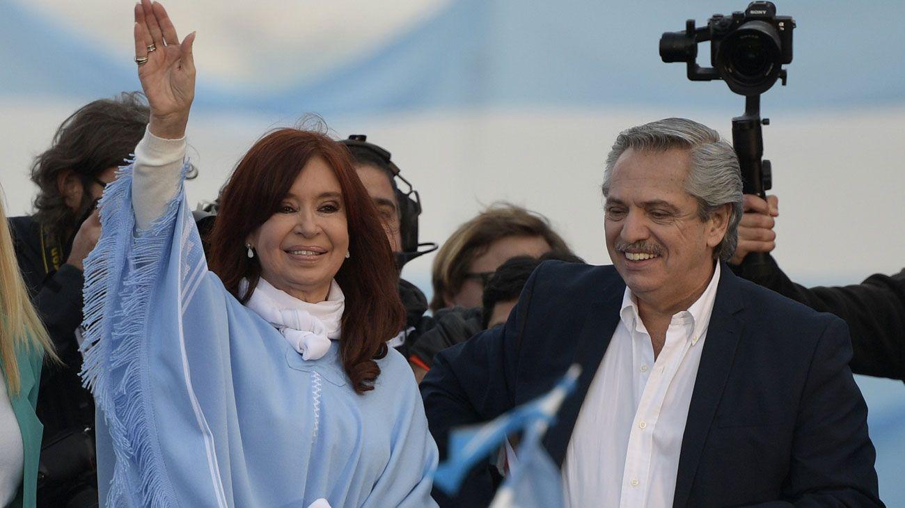 FÓRMULA. Si ganan, Fernández y CFK volverán a mostrarse juntos ante miles de militantes.