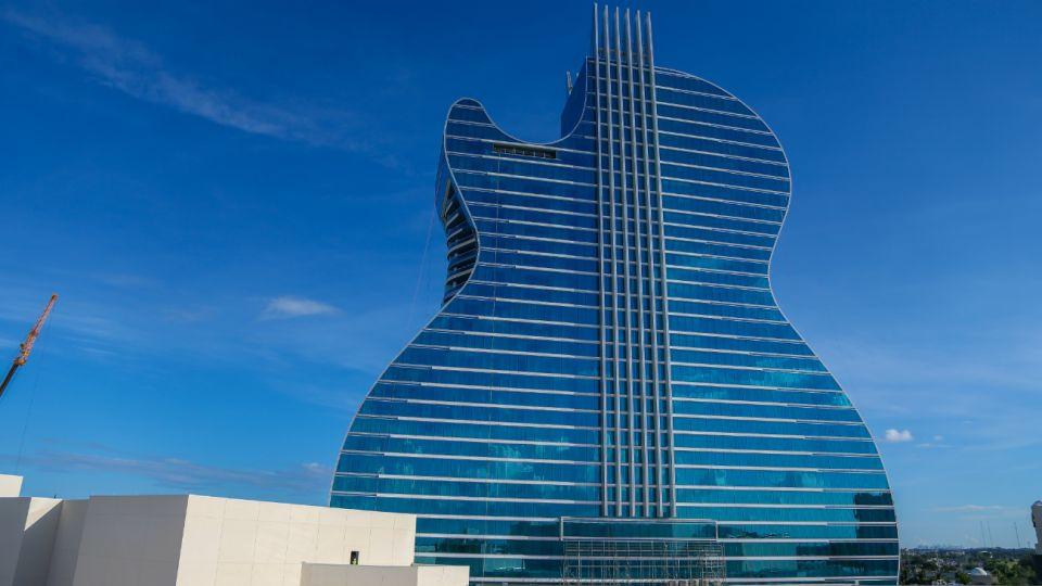 Hard Rock Hotel, con forma de guitarra