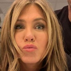 La foto viral de Jennifer Aniston a los besos con una mujer