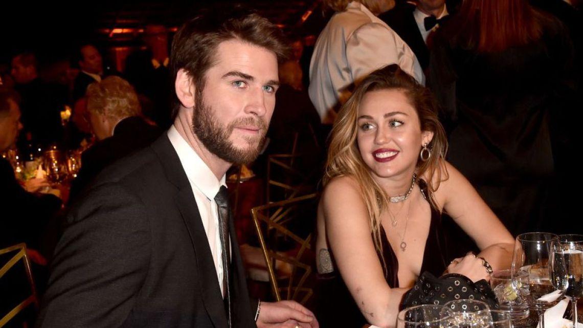 Miley Cyrus se emborracha y llama a su ex, Liam Hemsworth