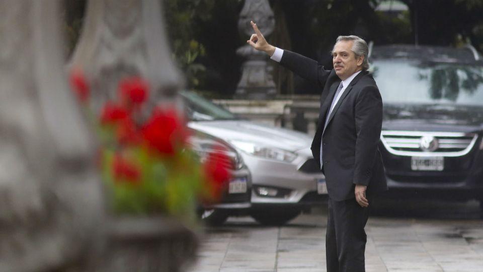 Alberto Fernández al salir del encuentro con Mauricio Macri en la Casa Rosada.
