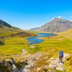 Así es el enorme parque de Snowdonia. ¡Qué ganas de llegar al lago!