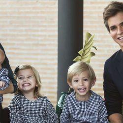 El mensaje de Carlos Baute a su esposa, por su cumpleaños, con sus hijos en composé