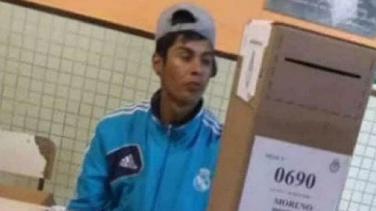 Tiene 27 años y es de Moreno.