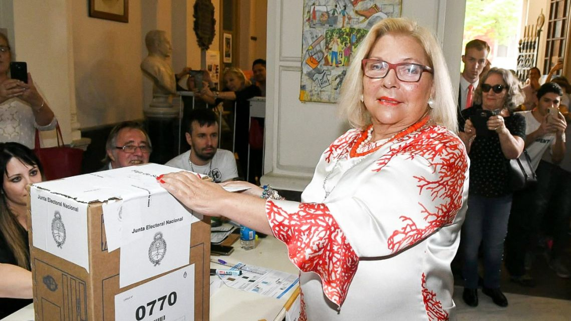 Elisa Carrió casts her vote in the 2019 presidential election, at a school in Barrio Norte.