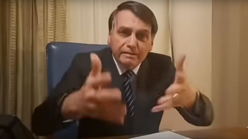 Polémico tuit del hijo de Bolsonaro, comparándose con Estanislao Fernández
